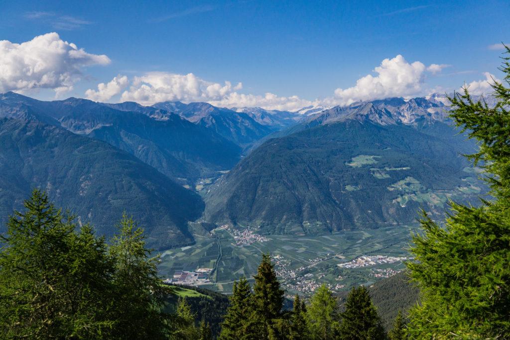 Das Bild zeigt das Bergpanorama der Ortlergruppe.