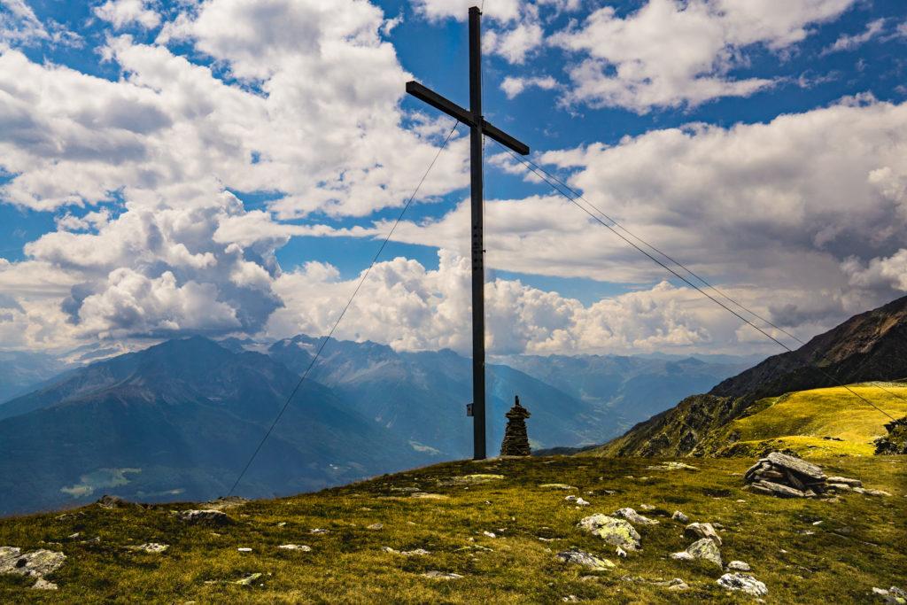 Das Gipfelkreuz am Niederjöchl.